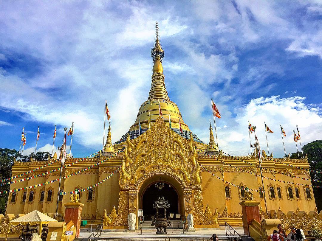 Objek Wisata Sumatera Utara Travel Ruang Media Taman Pagoda Lumbini