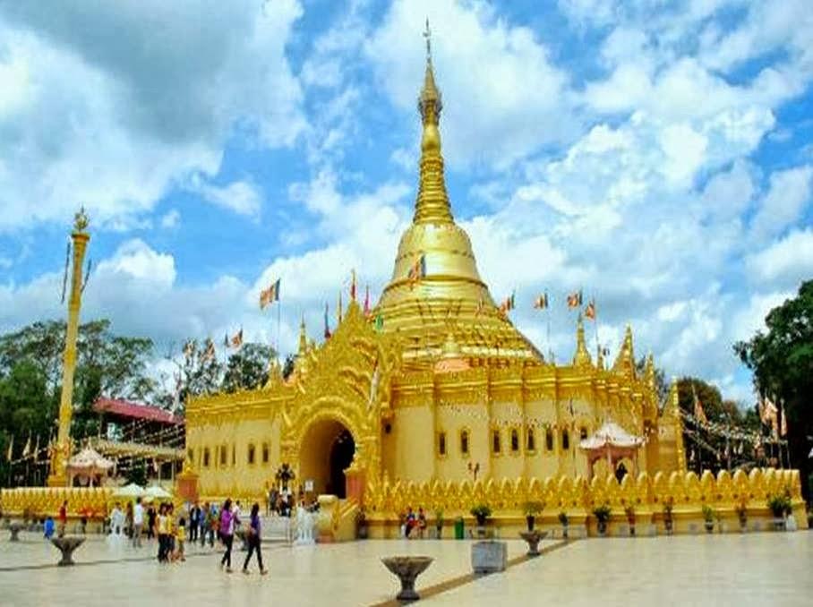 Pagoda Myanmar Taman Lumbini Brastagi Berastagi Berdiri Khas Sumatera Utara