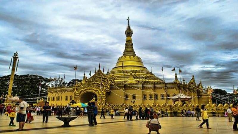 Pesona Pagoda Tertinggi Indonesia Taman Alam Lumbini Karo Wisata Kota