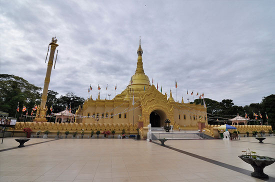 Taman Alam Lumbini Pagoda Medan Tour Travel Wisata Kota