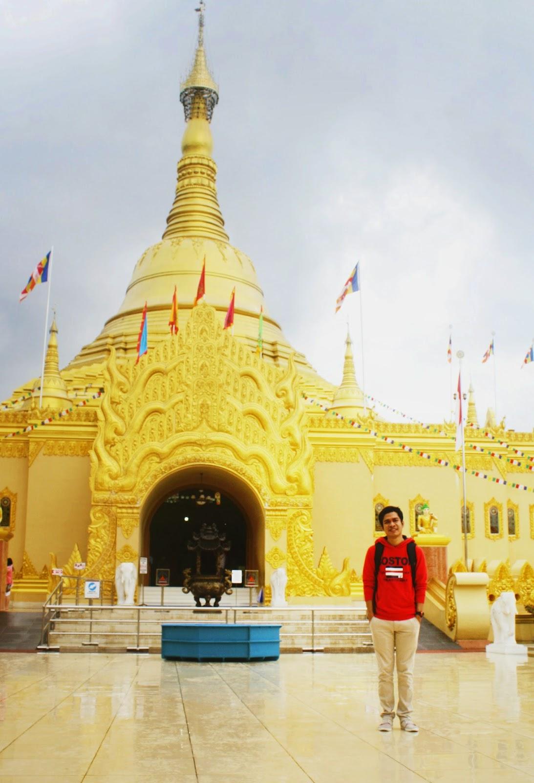 Taman Alam Lumbini Replika Pagoda Shwedagon Myanmar Termegah Indonesia Wisata