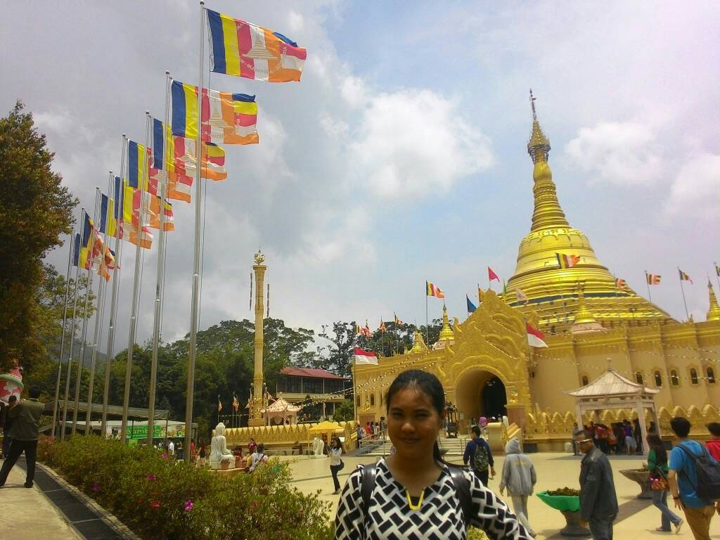Wisata Kemanaaja Taman Alam Lumbini Berastagi Sumatera Utara Pagoda Kota