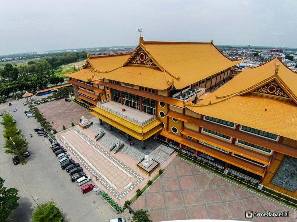 Maha Vihara Maitreya Cemara Asri Medan Attraction Copy Gunung Timur