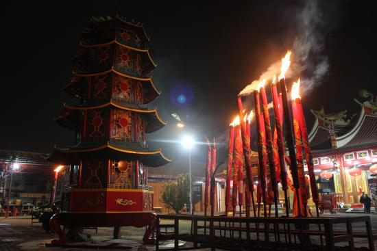 Vihara Gunung Timur Temple Medan Years Cultural Icon Filled Worshippers