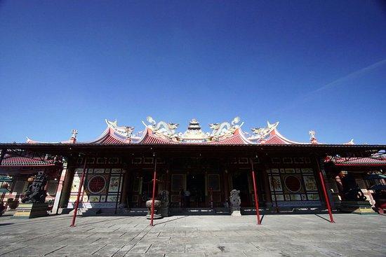 Vihara Sore Hari Picture Gunung Timur Temple Medan 1473092108013 Large