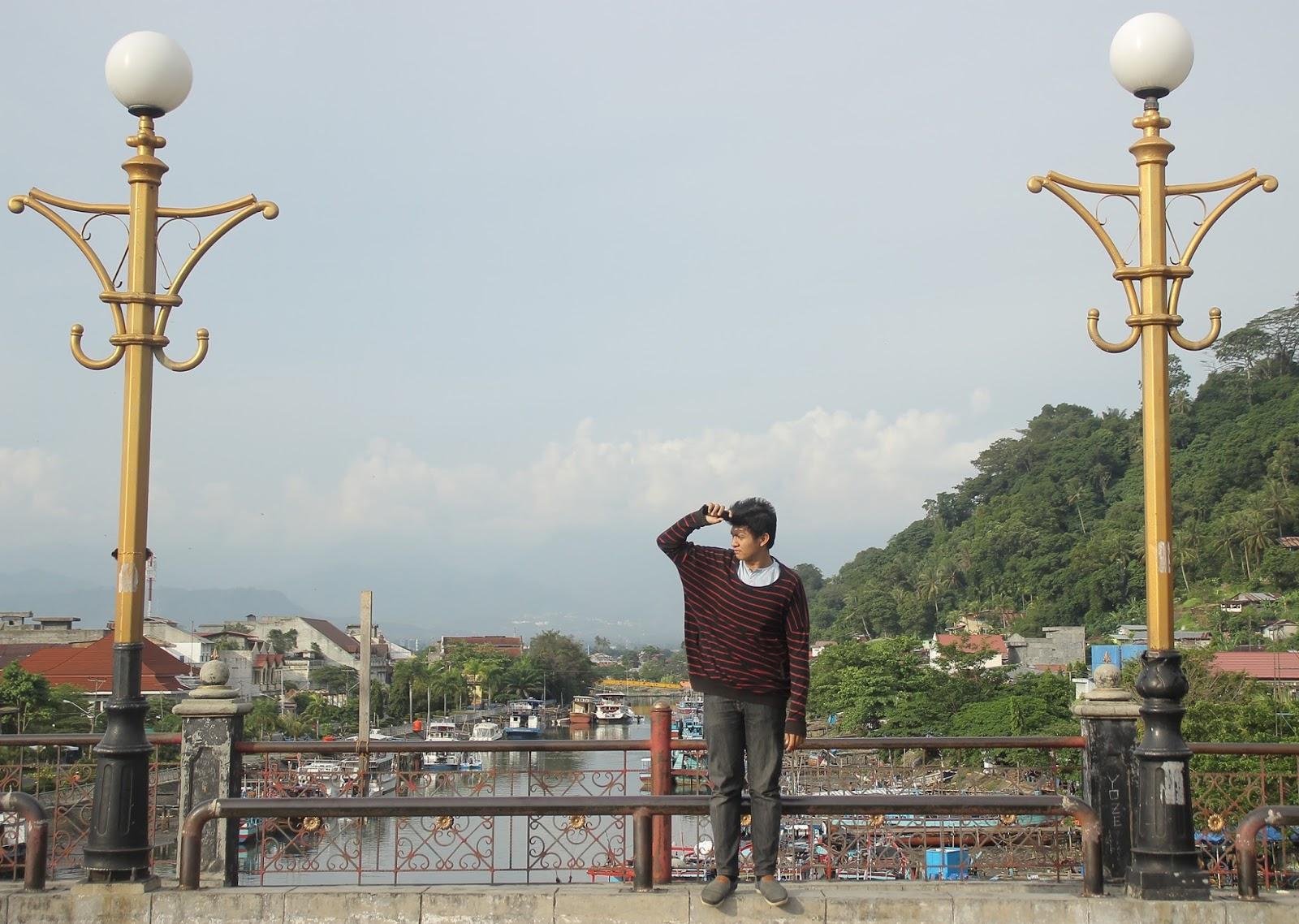 Jelajah Nagari Awak Jembatan Siti Nurbaya Kisah Roman Namanya Menghubungkan