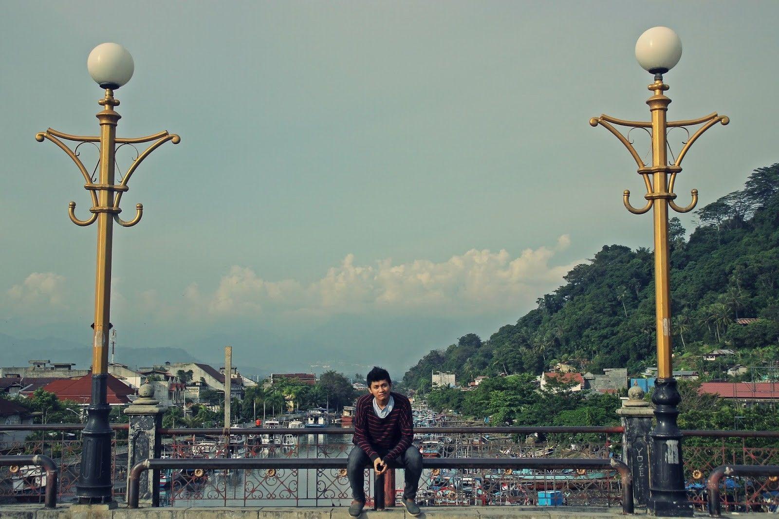 Menghabiskan Sore Jembatan Siti Nurbaya Melegenda Padang 3 Penggemar Selfie
