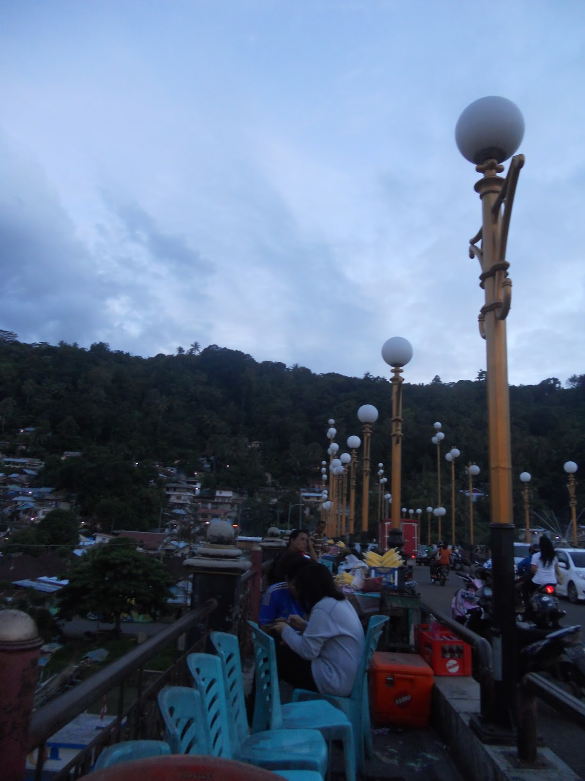 Panorama Jembatan Siti Nurbaya Rizkibio Gallery Deretan Pedagang Menjajakan Berbagai