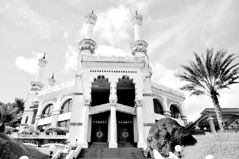 Gali Nuansa Islami Miniatur Mekah Genta Andalas Mesjid Lubuk Minturun