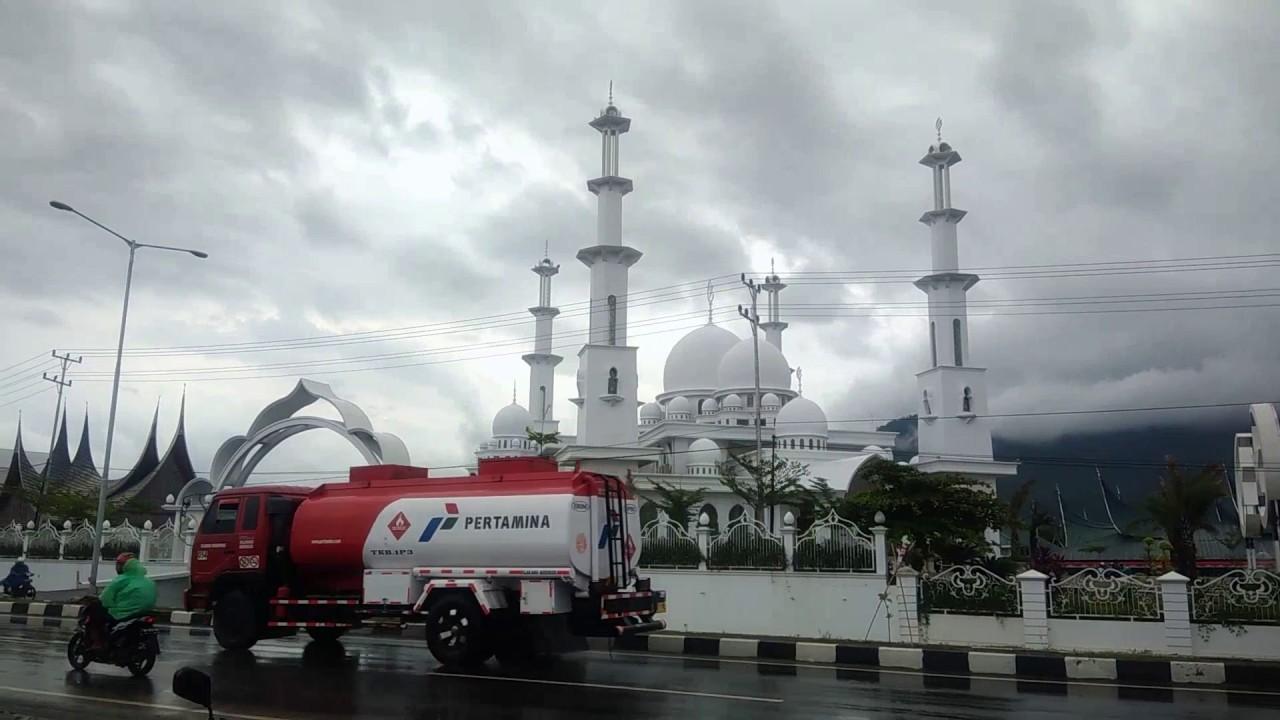 Megah Mesjid Baiturrahmah Padang Sumatera Barat Youtube Miniatur Makkah Kota