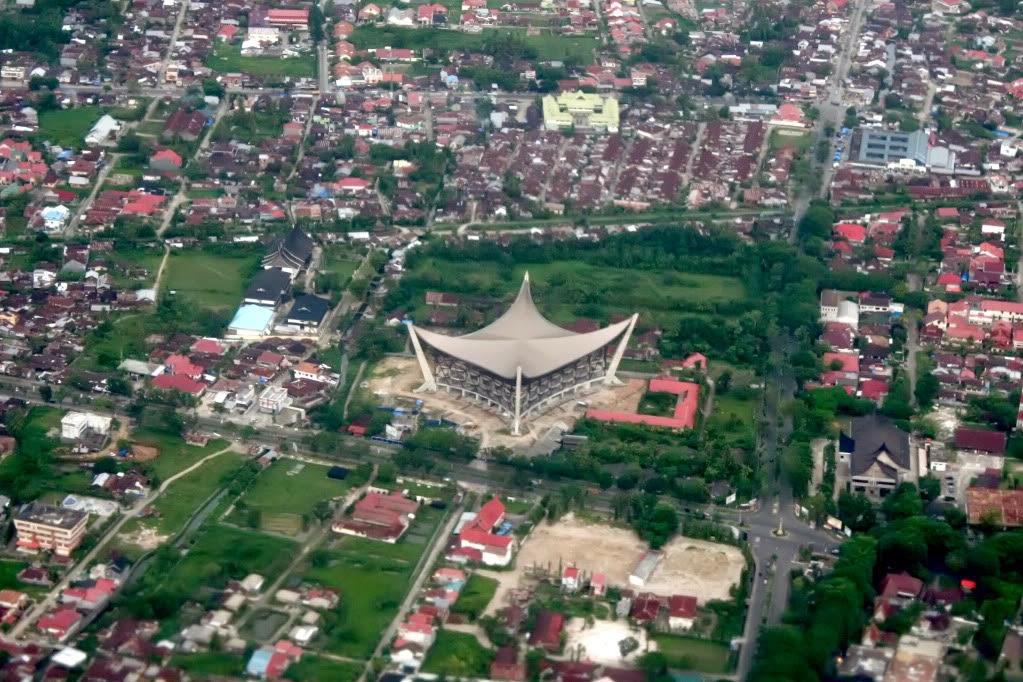 Padang Sumatra Barat Miniatur Makkah Kota