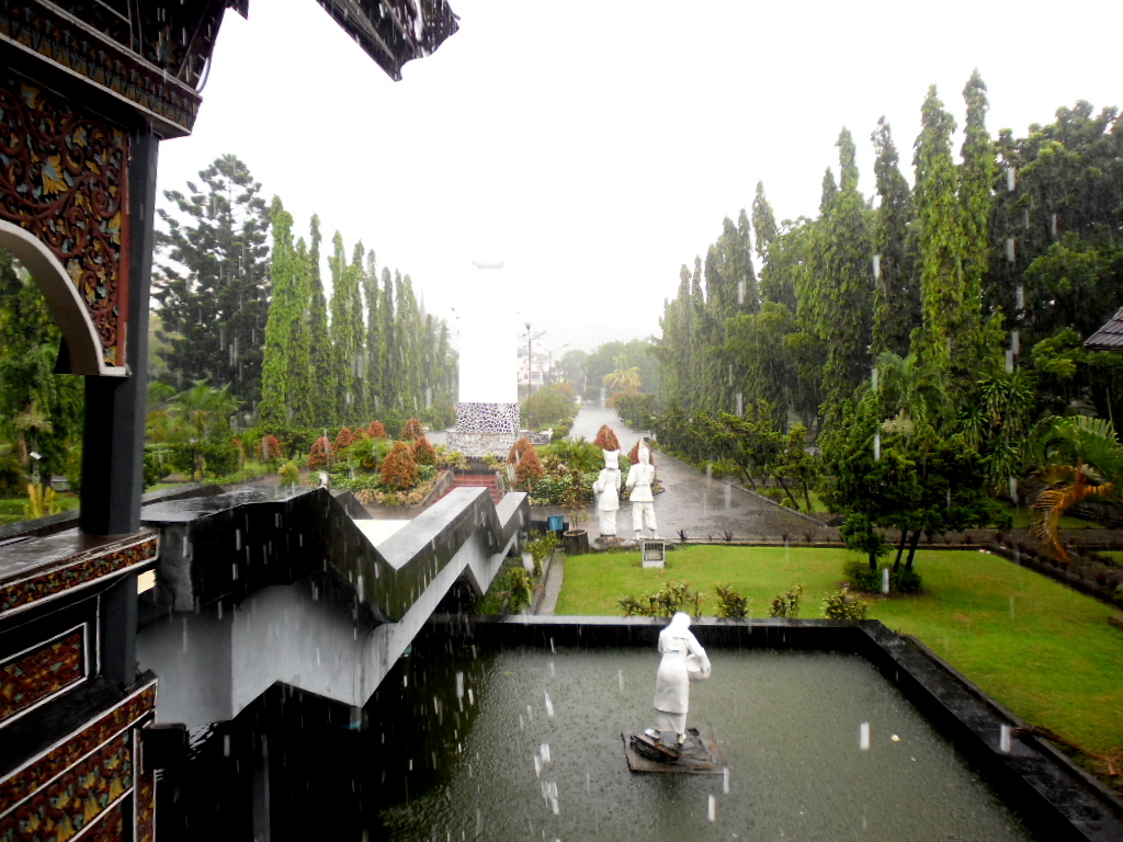 Cerita Dian Museum Adityawarman Padang Sumatra Barat Taman Ketika Hujan