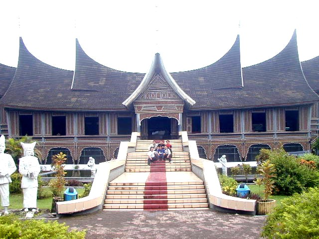 Wisata Kota Padang Museum Adityawarman Syahdatul Hayani Azwar Musium Salah