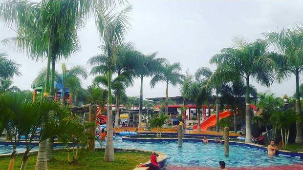 Byurr Palangkaraya Punya Waterpark Keren Kolam Renang Besar Kalawa Pky