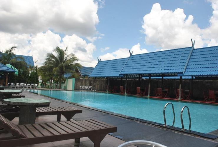 Hotel Batu Suli International Jekan Raya Indonesia Swimming Pool Exterior