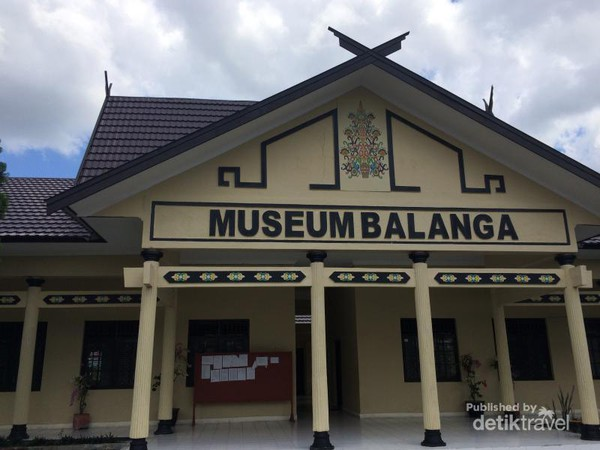 Yuk Belajar Budaya Dayak Museum Balanga Bagian Depan Kota Palangkaraya