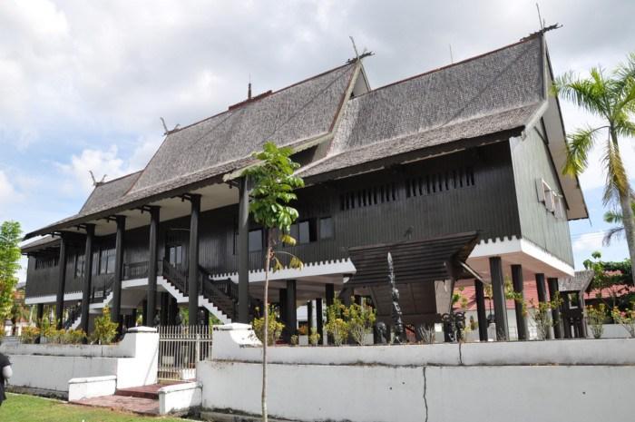 Anisya Blog Archive Kota Kelahiran Rumah Adat Bentang Palangkaraya
