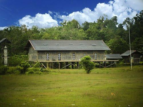 Arsitektur Dayak Wikiwand Rumah Radakng Lapangan Saboro Menjalin Kal Bar