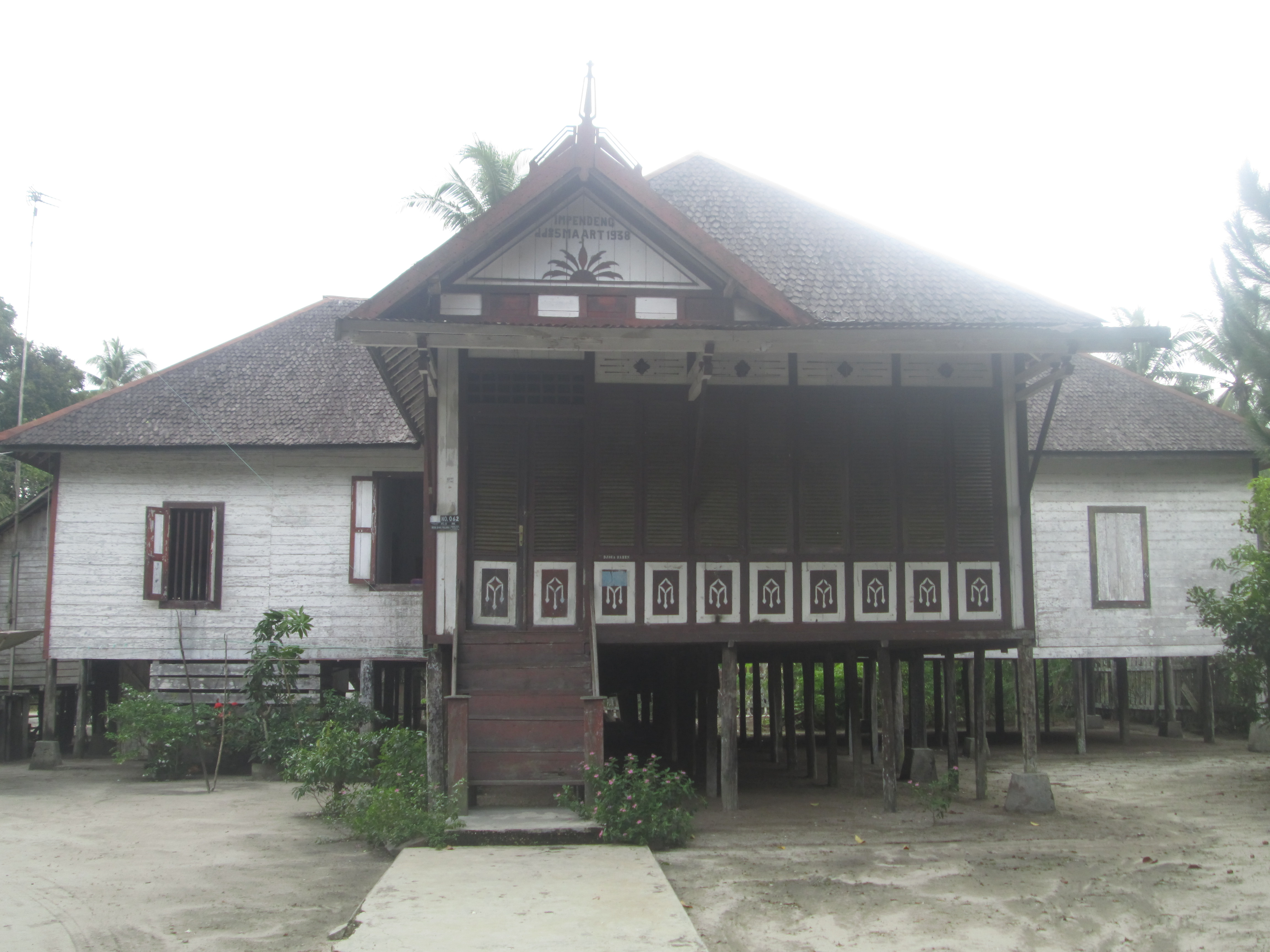 Bagian Kebudayaan Pariwisata Sekretariat Daerah Kabupaten Pulang Rumah Betang Kalimantan