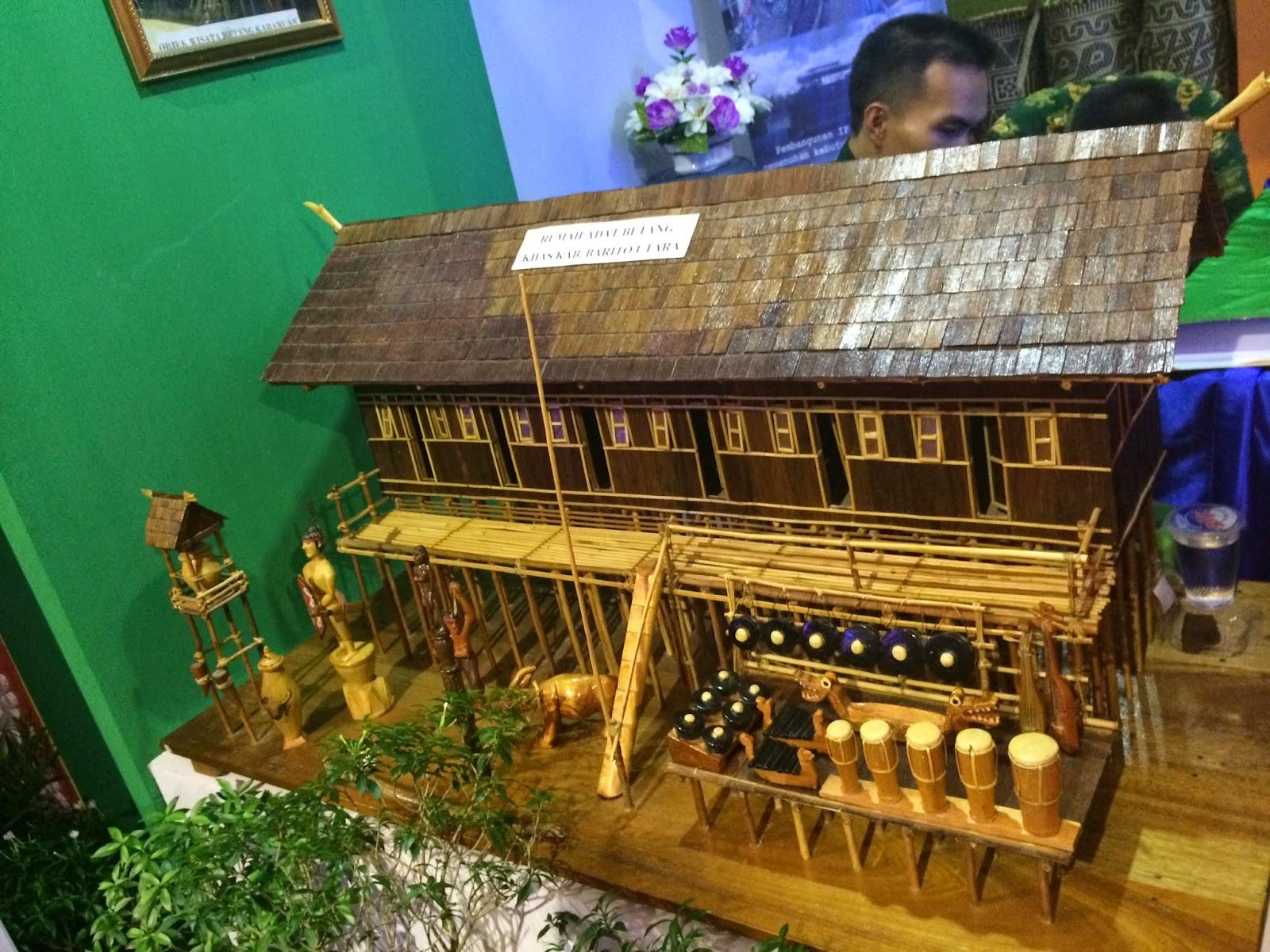 Blimaderi Moments Barang Pameran Kalteng Expo 2014 Miniatur Rumah Betang