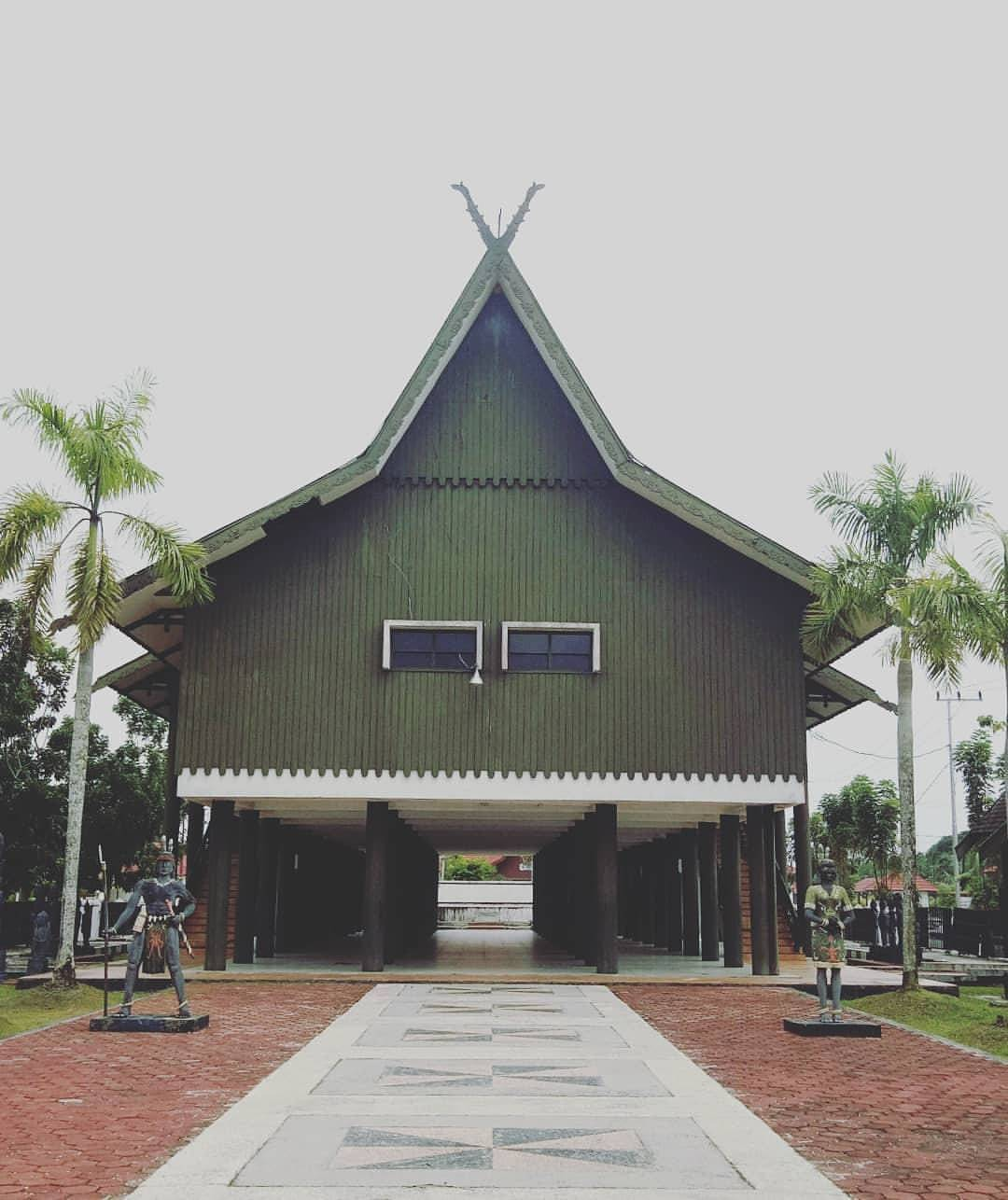 Images Tagged Betang Instagram Eka Tingang Nganderang Rumah Adat Suku