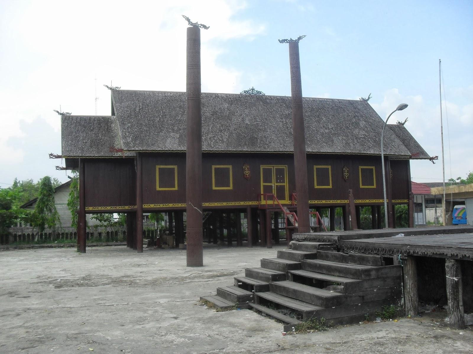 Mahakam24 Betang Rumah Adat Suku Dayak Bentang Kota Palangkaraya