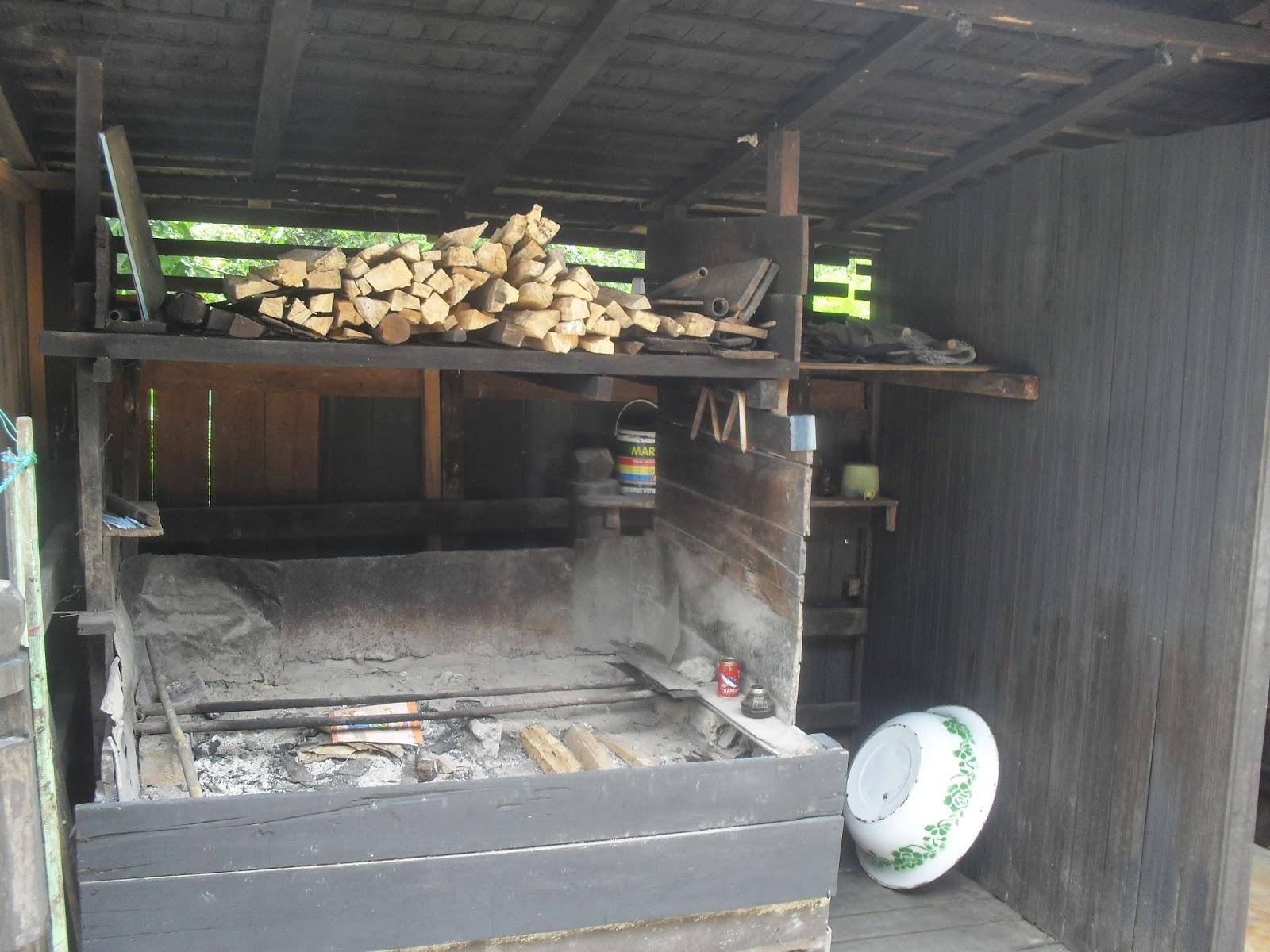Mahakam24 Rumah Betang Desa Buntoi Perabotan Terdapat Didalam Adat Tidak