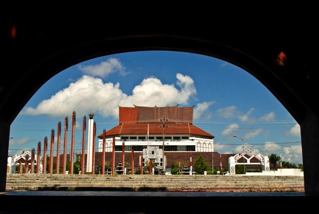 Menjelajah Kota Impian Palangkaraya Wisata Kalimantan Menuju Sebuah Rumah Betang
