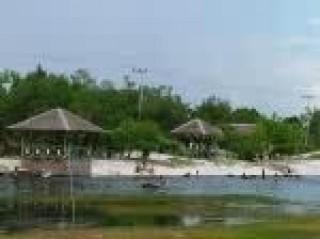 Fantasy Beach Dikepung Warga Berlebaran Tribun Kalteng Taman Wisata Fantasi