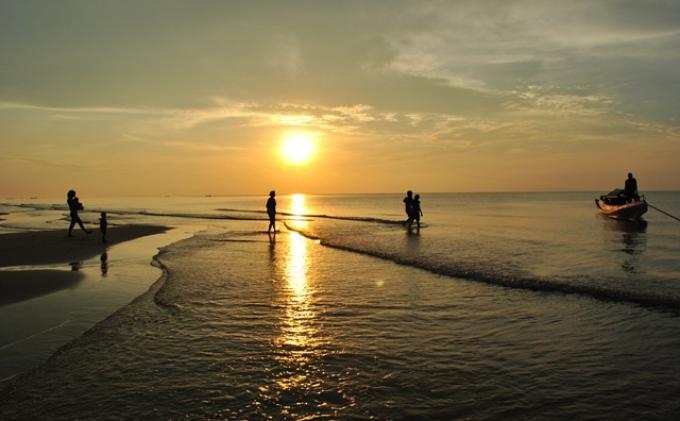 Ibukota Pindah Palangkaraya Pilihan Wisatanya Sunset Pantai Ujung Pandaran Photo