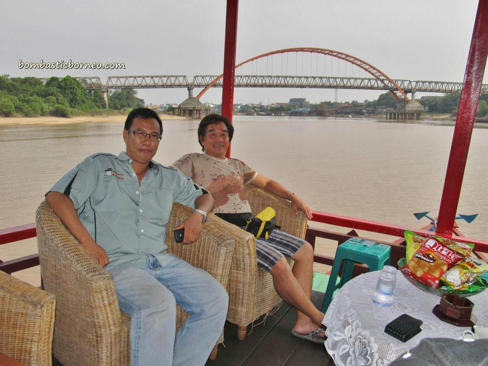 Adventure Boat Ride Excursion Central Kalimantan Tengah Bombastic Dayak Ngaju