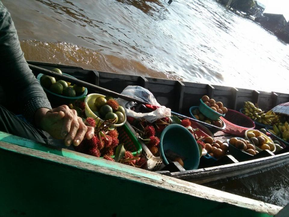 Escape Central Borneo 11 Palangkaraya Trip101 Witness Fascinating Floating Market