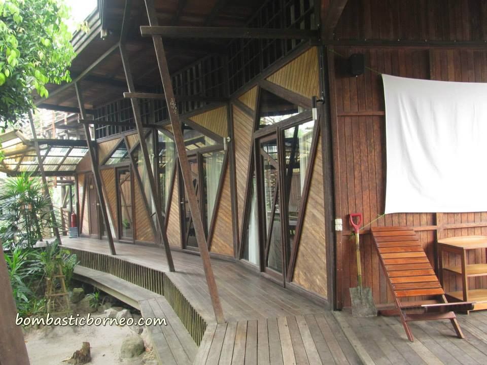 Wisma Bukit Raya Kalimantan Tengah Indonesia Bombastic Borneo Accommodation Bed