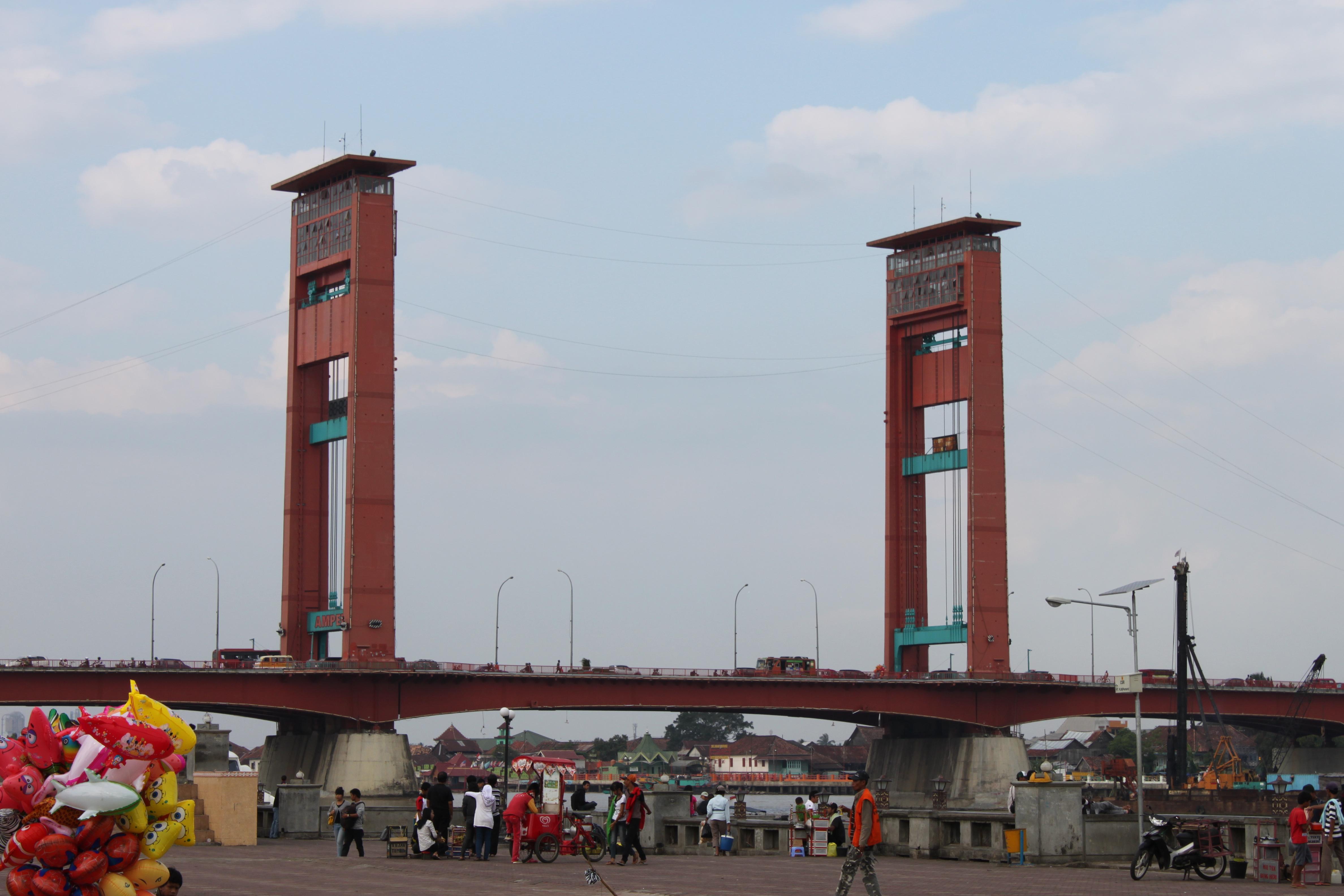 12 Jam Palembang Life Beautiful Jembatan Benteng Kuto Besak 1