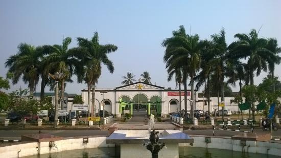 Benteng Kuto Besak Tempat Wisata Palembang Jpg Fit 550 309
