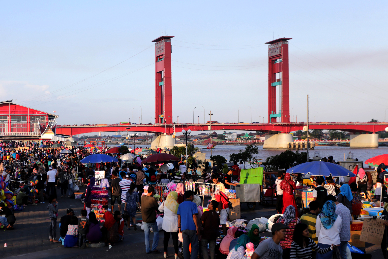 Liburan Pelataran Benteng Kuto Besak Palembang Berita Daerah Kota