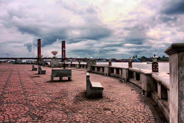 Menikmati Landmark Kota Palembang Plaza Benteng Kuto Besak Foto 1005