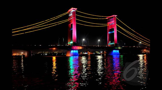 Panduan Mini Wisata Sekitar Plaza Benteng Kuto Besak News Jembatan