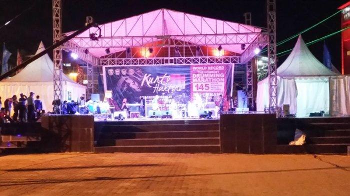 Penampilan Kunto Hartono Drummer Sakti Benteng Kuto Besak Kota Palembang