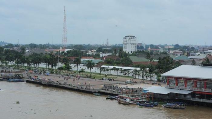 Plaza Benteng Kuto Besak Palembang Tower Ampera Foto Kota