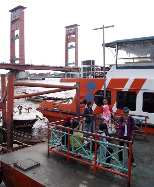 Sensasi Wisata Air Benteng Kuto Besak Palembang Sumsel Oleh Rachma