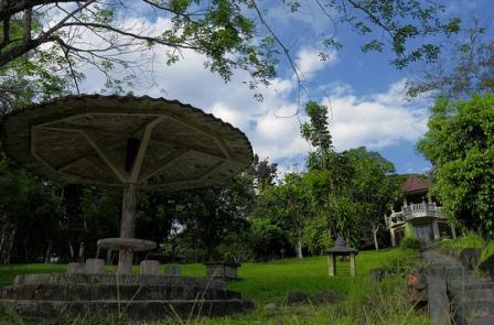 12 Tempat Wisata Alam Sumatera Selatan Terkenal Top Bukit Siguntang