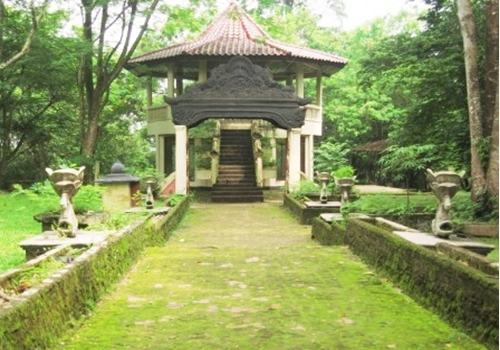 30 Daftar Tempat Wisata Palembang Sumsel Terkenal Pulau Bukit Siguntang