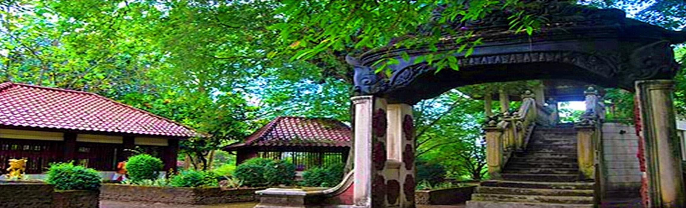 8 Tempat Wisata Palembang Wajib Dikunjungi Bukit Siguntang Kota