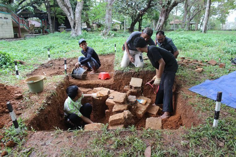 Bedah Tempat Suci Kerajaan Sriwijaya Bukit Siguntang Arkeolog Kota Palembang