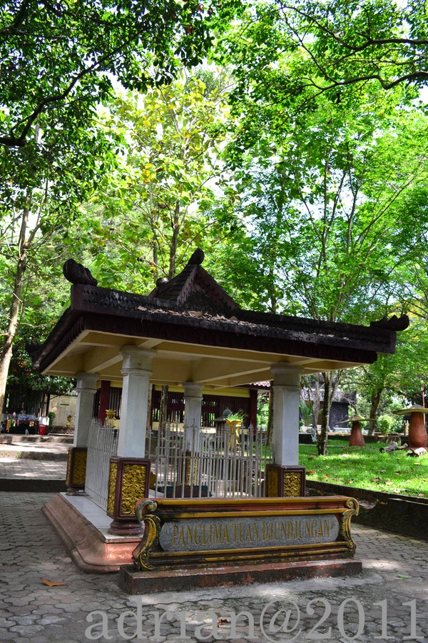 Bukit Siguntang Sejuta Cerita Palembang Makam Panglima Tuan Djundjungan Kota