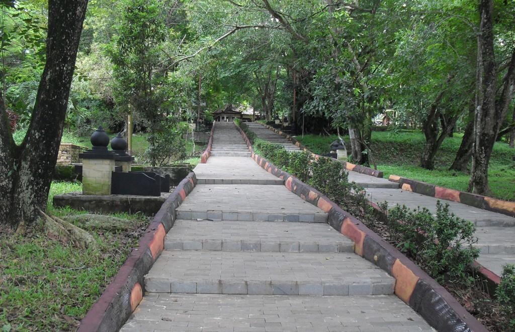 Menikmati Jejak Sejarah Sriwijaya Bukit Siguntang Panduan Kota Palembang
