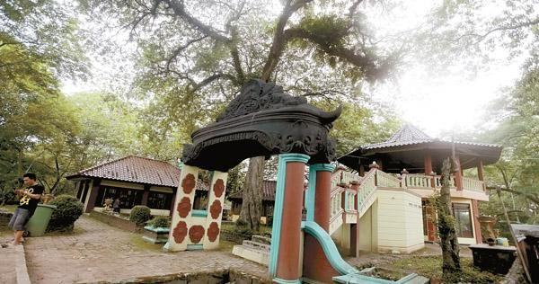 Menikmati Panorama Kota Palembang Bukit Siguntang Okezone Https Img Okeinfo