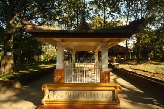 Obyek Wisata Bukit Siguntang Picture Photo Kota Palembang