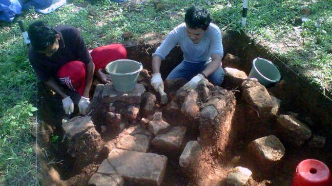 Susunan Batubata Kuno Bagian Kerajaan Sriwijaya Ditemukan Bukit Siguntang Kota